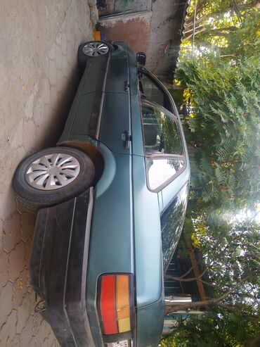 Volkswagen Passat 1.8 л. 1989