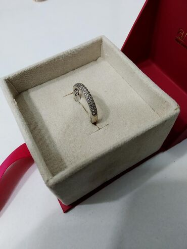 работа с 16 лет в Кыргызстан: Кольцо с бриллиантами, очень красивое белое золото 585 пробы, Россия