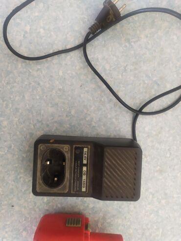 Шурапаверт Makita 14,4v 1,8A. Feb14s батареи не рабочие