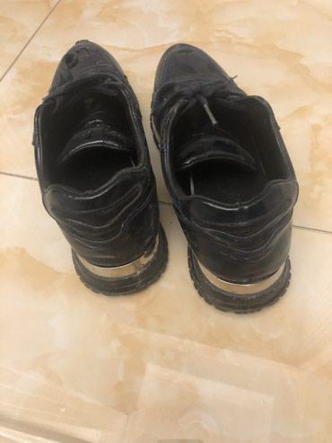 Продаю обувь.Покупал за 13000.Продаю за 1000 в Баетов
