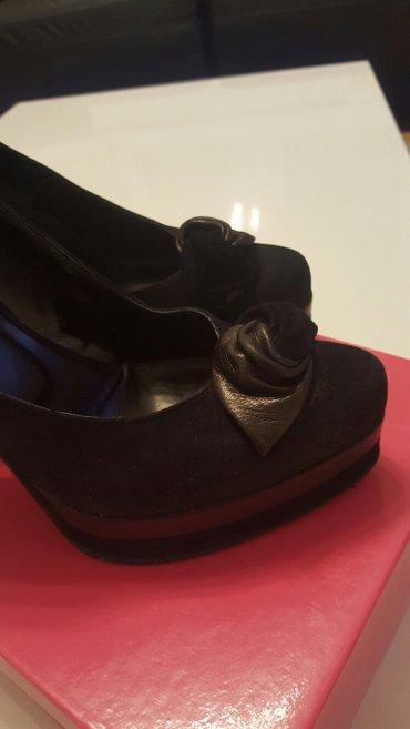 Crne cipele, italijanske, prevrnuta koza, br 36, super ocuvane - Nis