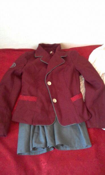 Личные вещи - Буденовка: Бордовый кастюм на девачку лет от 8/9 размер 38 Бишкекский пошив
