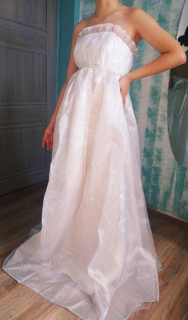 свадебные платья для беременных в Кыргызстан: Свадебное платье. 42 - 44 размер. можно и для беременных. 800 сом