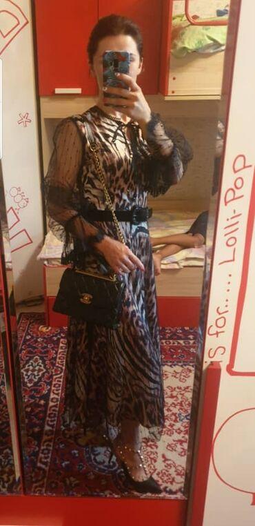бежевое платье в пол в Кыргызстан: Очень красивое платье, фасон,ткань Одевала всего пару раз  Отдам за по