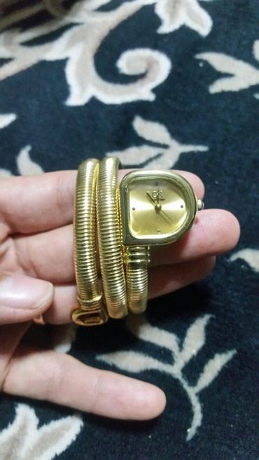 Женские Желтые Классические Наручные часы в Бишкек