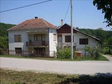 Na prodaju - Srbija: Na prodaju Kuća 200 sq. m, 6 soba