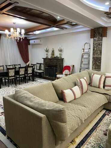 Сдается квартира: 4 комнаты, 200 кв. м, Бишкек