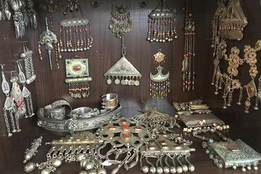 Куплю старинные бабушкины кыргызские национальные украшения серебро