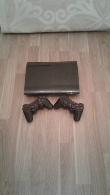 Playstation 3 Super Slim..Yaddasi 500 gb..Yaddasina 44 oyun в Bakı