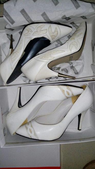 Туфли 2 пары белые в Бишкек