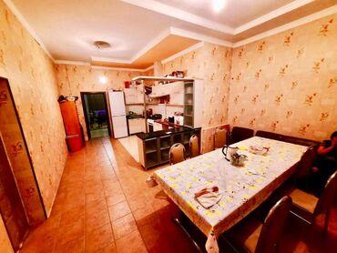 Продам Дом 250 кв. м, 8 комнат