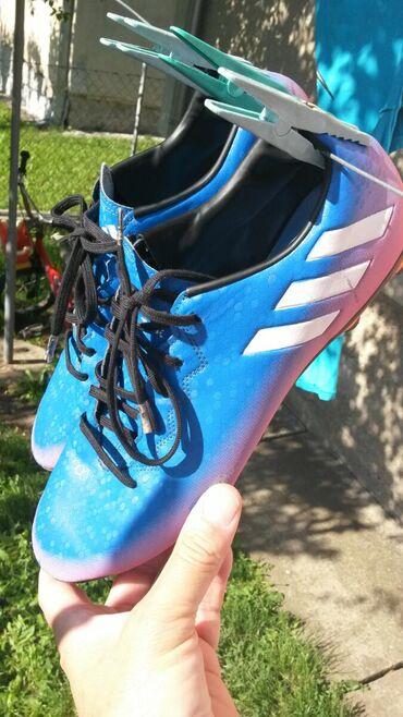 Adidas kopačke za fudbal br.45.Original.Malo korišćene