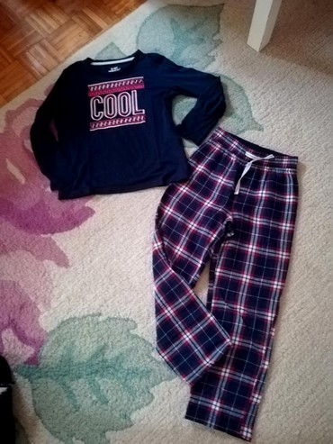 Ostala dečija odeća | Batajnica: Prelepa pidžamica vel. 8