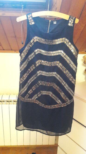 Prelepa haljinica odgovara S i M 36 lelicina