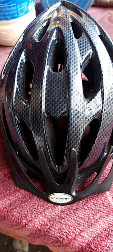Продаю велошлем новый