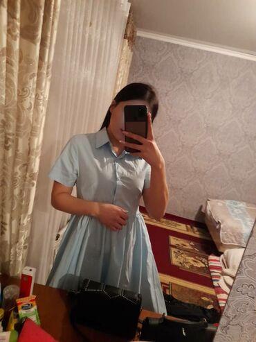 платье миди в Кыргызстан: Продаю коктейльное платье в голубом цвете, длина миди, ремешок