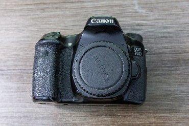 sony-a7-iii-бишкек в Кыргызстан: Canon 70d. Работает отлично. Состояние на 4. В комплекте флешка. В