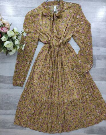 Весеннее шифоновое платьице со скидкой! Новое!!!  Размер: 42/44  С