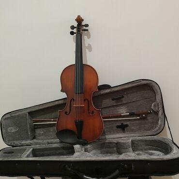 Музыкальные инструменты - Бишкек: Скрипка 1/4. Хорошое звучание и состояние инструмента