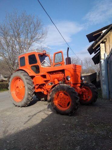 T 40 - Azərbaycan: Traktor t 40 qabaq perodoklu ve islekdir . Traktor ot siyiran qrabil