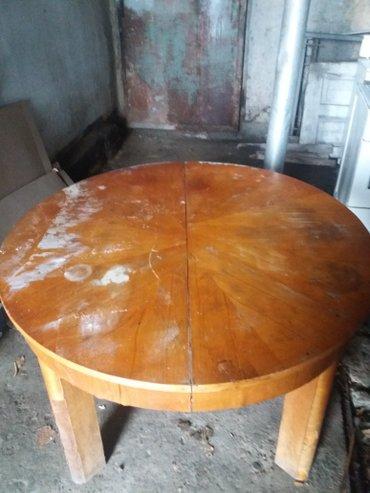 Продаю большой круглый семейный стол в Лебединовка