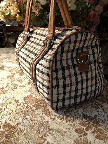 """"""" Burberry"""" firmasina mexsus xanimlarimiz üçün çanta.  Çanta """" Daren"""""""