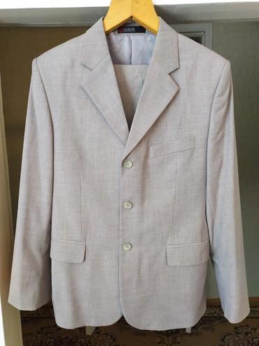 Продаю мужской костюм 48 размера, в идеальном состоянии (одевали два