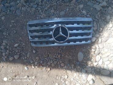 Аксессуары для авто в Кемин: Продаю решетку на мерс 124