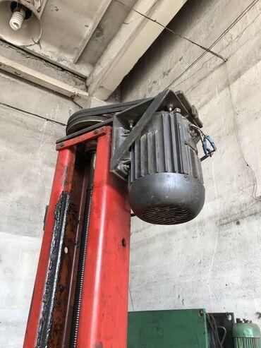 Продам винтовой рабочий подъёмник,причина продажи-покупка нового