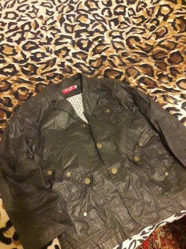 Продаю деми курточку на подростка черного цвета. в Лебединовка