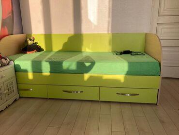Продаётся детская мебель!Кровать 120*180 и 120*сомов с матрасом ( 2