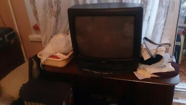 Продаю телевизор LG 49см по диагонали рабочий цена 3000 с