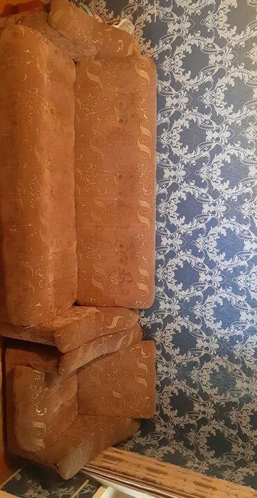 Продаётся диван с двумя креслами!!!Его можно использовать еще как и