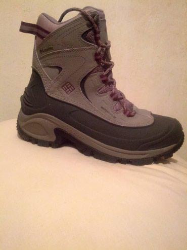 Другая женская обувь в Кыргызстан: Женские ботинки The North Face бело- бежевые горнолыжные, новые, разме