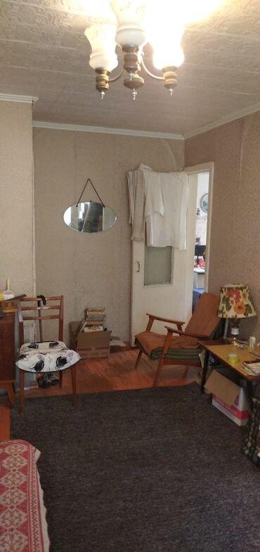 Продажа квартир - Бишкек: Хрущевка, 2 комнаты, 40 кв. м Бронированные двери, Парковка, Угловая квартира