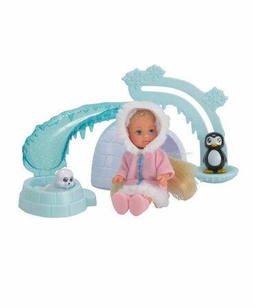 Кукла Еви в Арктике.С иглу и с питомцами.На лифте можно поднять