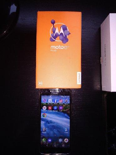 Motorola e1070 - Srbija: Prodajem dva mobilna telefona Motorola E4 plus radi i u odlicnom je