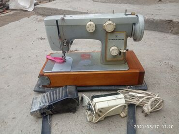Электроника - Бакай-Ата: Швейная электрическая машина (3000 мин сом) чайка-142 м