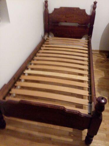 Kuća i bašta | Crvenka: Krevet za jednu osobu, ocuvan, od punog drveta, 2 m x 90 cm. Cena