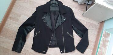 Куртки - Бежевый - Бишкек: Классная курточка, коженными вставками. кожа натуральная. под любой