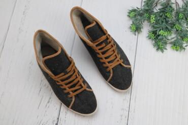 Личные вещи в Украина: Женские кроссовки,р.40 Цвет: серый Р: р.40, 25,5 см  Нюансов нет в оче