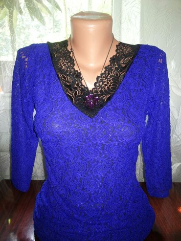 вечернее платье темно синего в Кыргызстан: Красивое! гипюровое платье! в реале шикарный темно-синий цвет! на