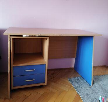 Sako sa - Srbija: Radni, pisaći sto u odlicnom stanju. Treba samo da se promeni ova