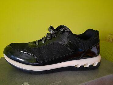 Sportski sako - Srbija: Zenske sportske cipele br. 38  Kvalitetne moderne sportske cipele sa s