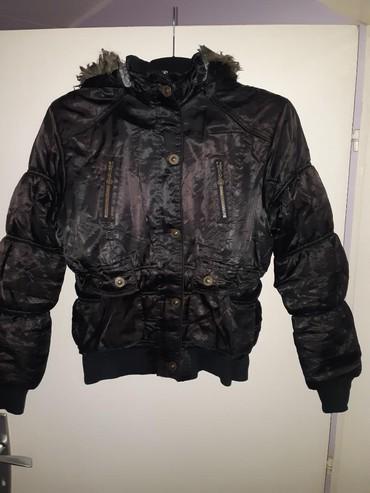 Jaknica h m - Srbija: Zimska jakna, veličina M, mada na jakni piše XL, ali nije tačno