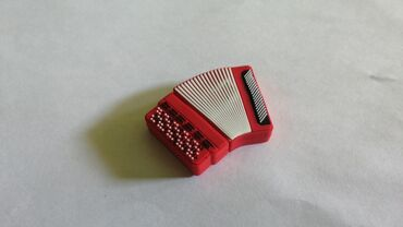 Asus padfone 2 32gb - Srbija: USB flash 32gb. Nekorišćen!