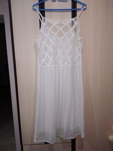 Prelepa letnja italijanska haljina kao nova ima postavu lagana vel l