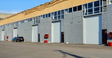 склад носков в Кыргызстан: Сдается склад 2800 м2.Сдам в аренду 2х уровневое помещение с двумя