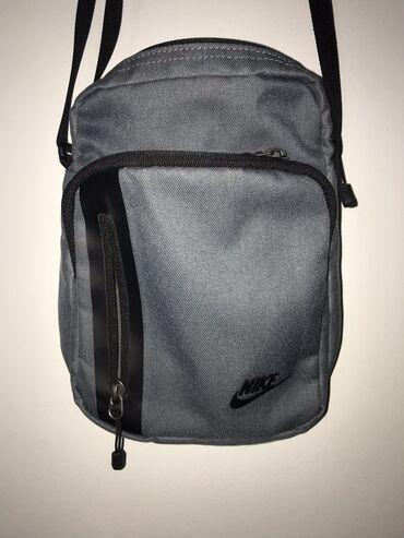 Original Nike torbica Siva boja Odlično stanje