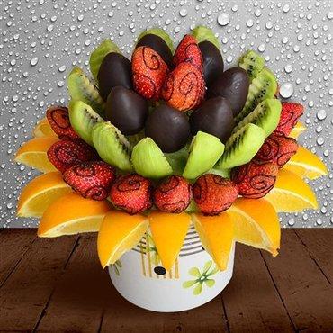 Bakı şəhərində Tecrubeli meyve dograyan teleb olunur.Meyve dekorasiyasini bacaran